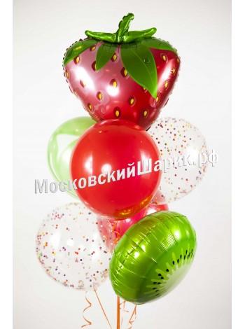 Фонтан из шаров с фуктами