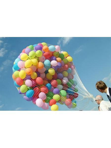 Запуск 100 воздушных шаров в небо